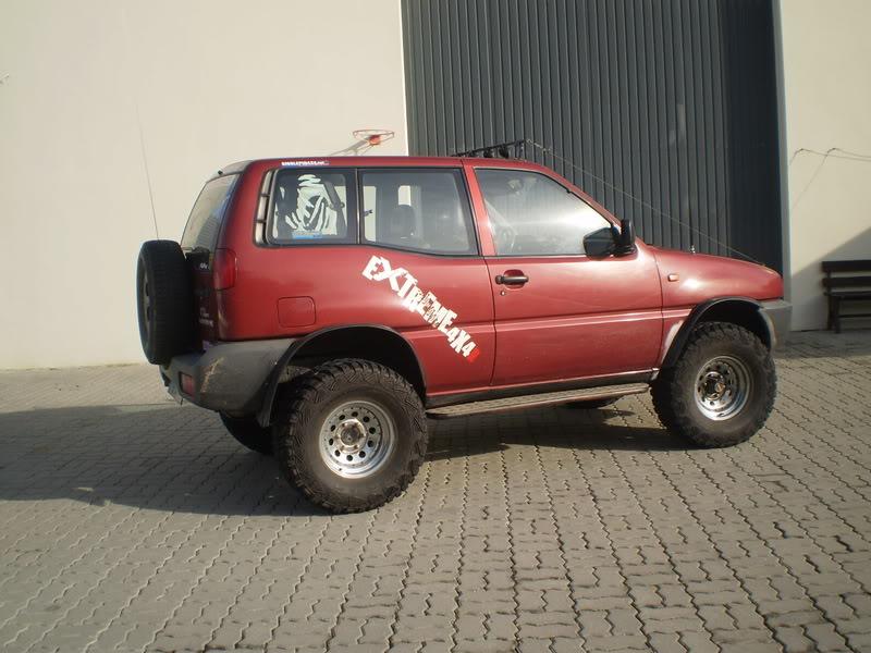 Nissan Terrano II PC300009