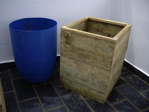 Jardineras de madera. IMGP1181