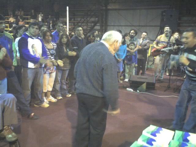 ¡Campaña Misionera donde se ganó a más 200 personas! ABUELITO-1