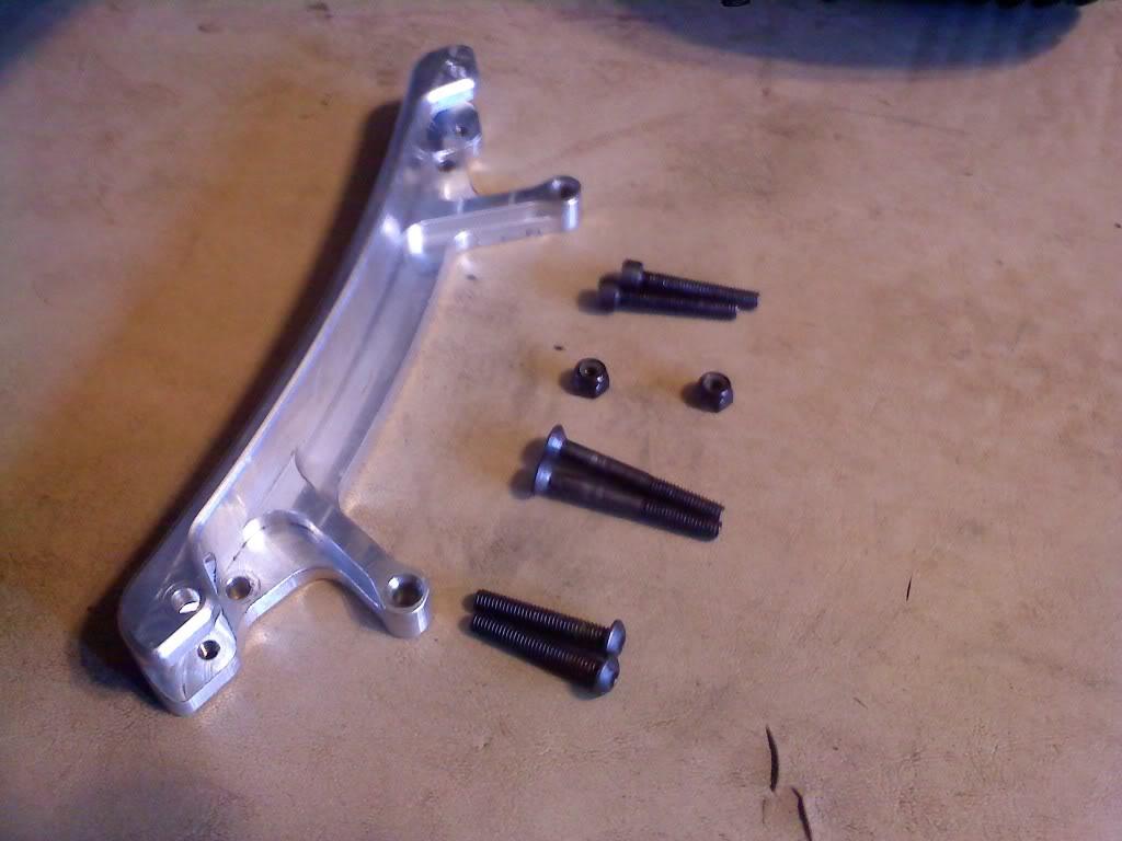 TR V2 rear shock mount Includeditems
