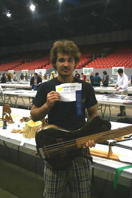 Luthiers amadores pelo mundo Mitesstates001