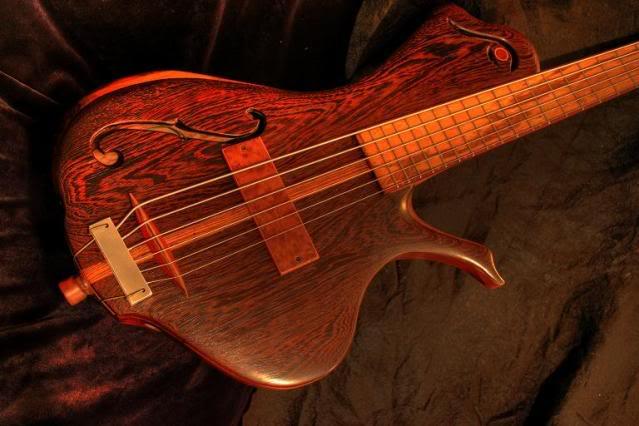 Luthiers amadores pelo mundo R
