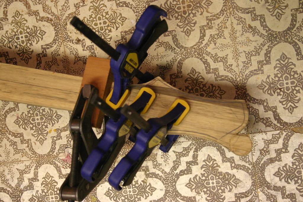 Luthiers amadores pelo mundo Scarfglueing001