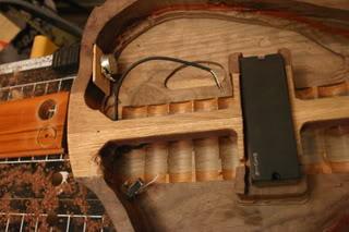 Luthiers amadores pelo mundo Theshop009