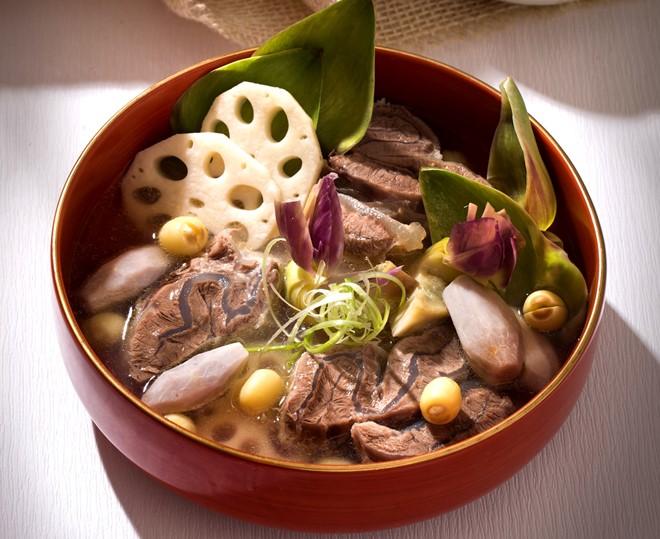 Cách làm món bắp bò hầm Atiso hấp dẫn Bap_bo_tiem_atiso_zpsbbpvim6j