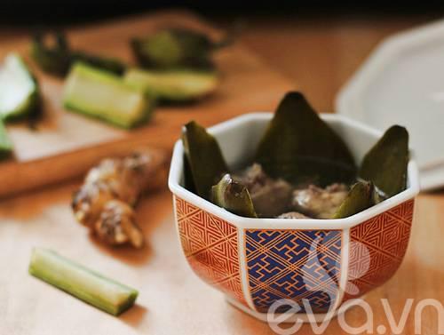 Vào bếp nấu món canh hoa Atiso hầm xương bổ dưỡng Canh-atiso-ninh-xuong-ga-9_zpscfzpq15y