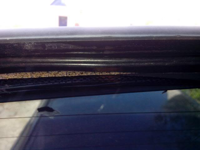 [BMW E46 Touring] Dépannage de la lunette arrière électrique IMG_20130506_105618_zpse4de340c