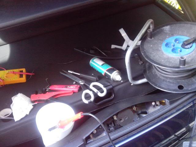 [BMW E46 Touring] Dépannage de la lunette arrière électrique IMG_20130506_112912_zps137137d5