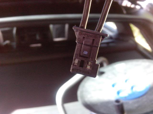 [BMW E46 Touring] Dépannage de la lunette arrière électrique IMG_20130506_115628_zpsf2580438