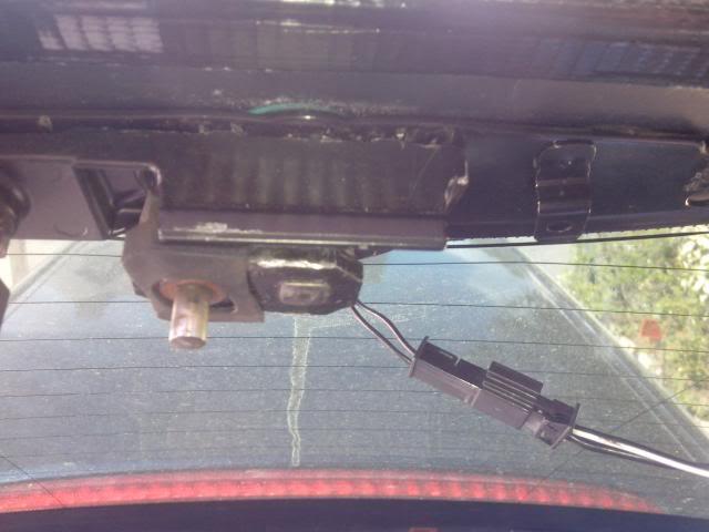 [BMW E46 Touring] Dépannage de la lunette arrière électrique IMG_20130506_115710_zps0d6f6ba0