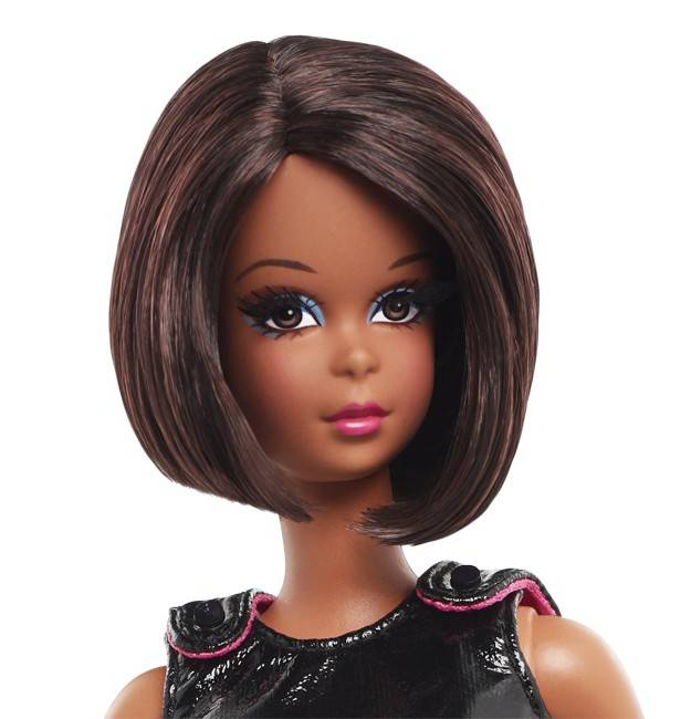 MATTEL: Barbie Collector - Page 5 W3517_c_12_CU1