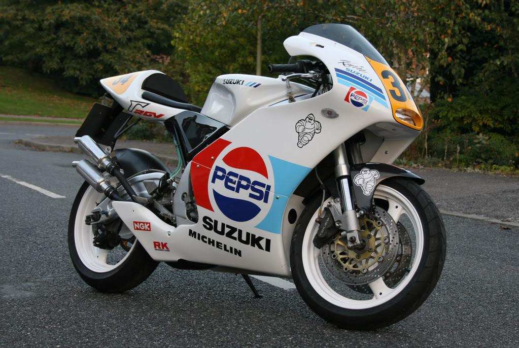 Suzuki 250 RGV Web_3
