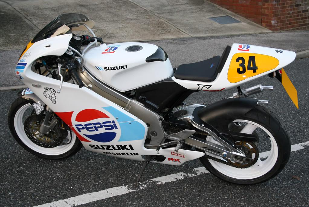 Suzuki 250 RGV Web_7