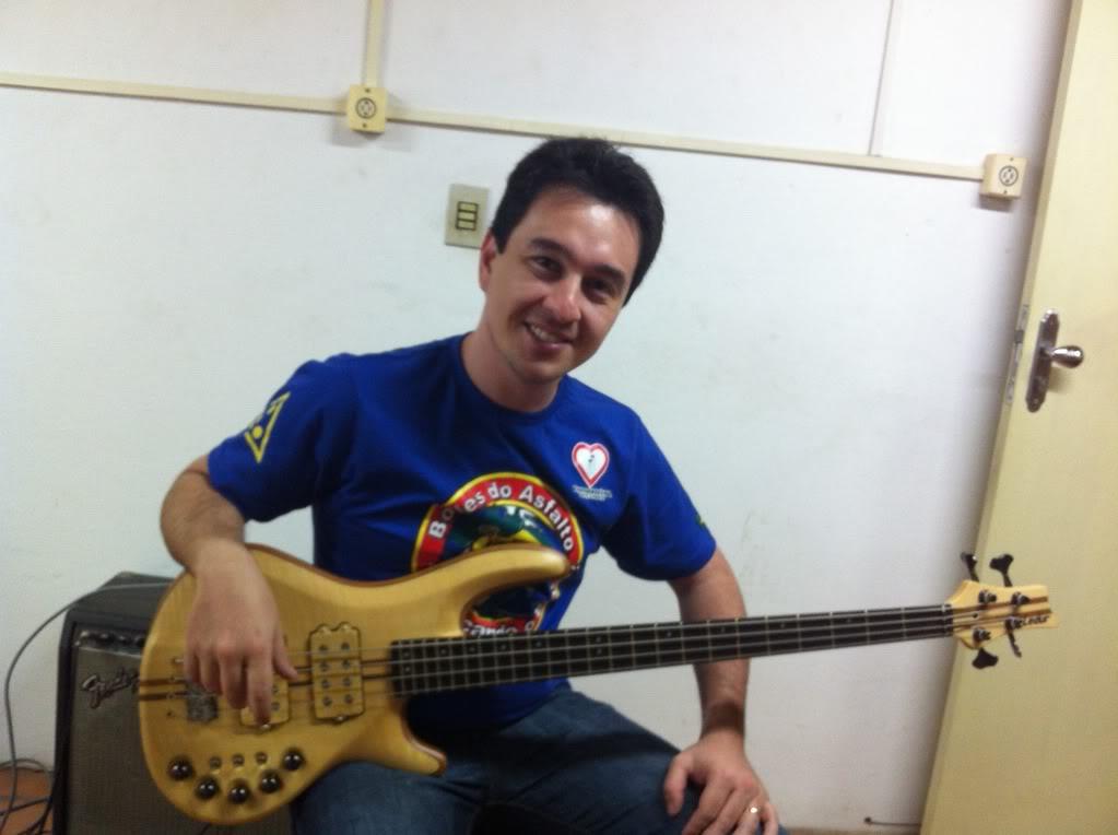 Meu Felino Bass Custom Ledur - Página 2 Baixobruno