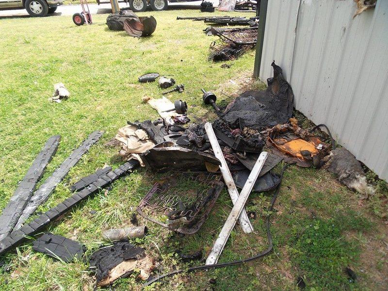 Somebody set fire to my buddies shop 11130110_870288083031540_9136881380241546069_n_zpseio3peuz