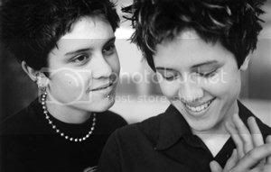 Tegan and Sara - Page 5 Random_06