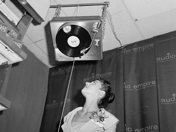 Giradiscos Vertical Upside-down-phonograph
