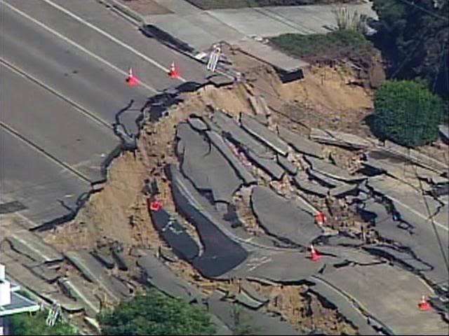 April/may 2014 - Page 7 Landslide