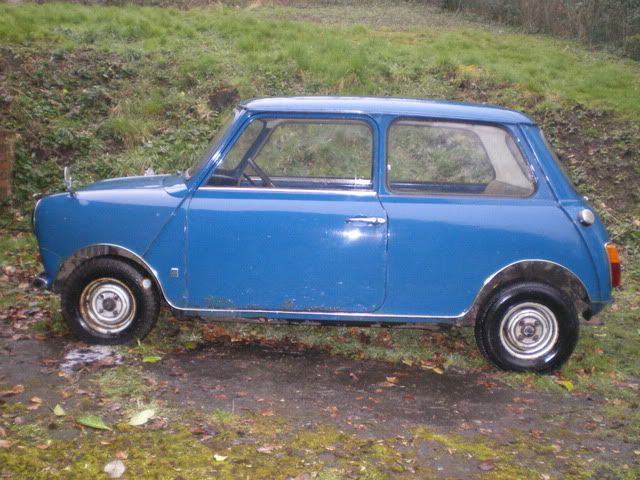 1971 Mini 850 auto. Ouch003