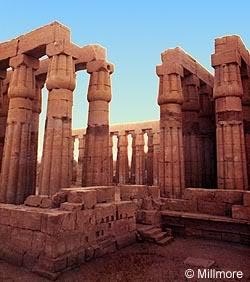 Templul în Egiptul Antic CurtealuiAmenhotepIII
