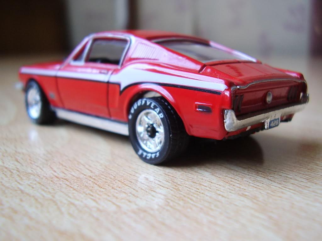 PREMIERE EDITION.......Un modelo regular con aspiraciones P1040091