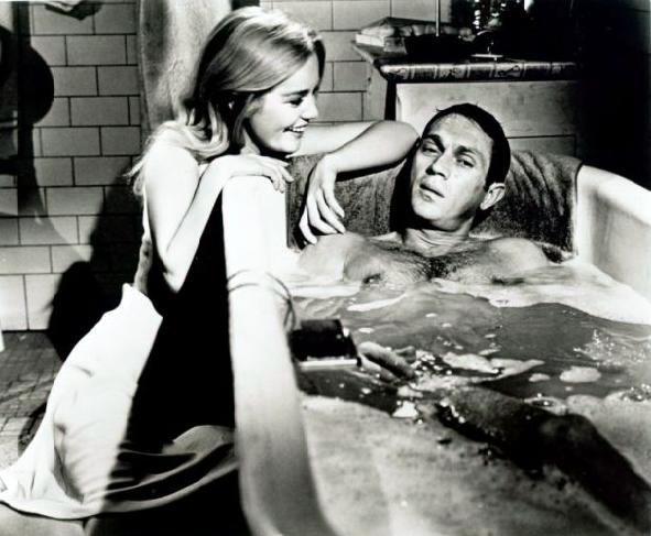 Dans la baignoire, s'il vous plaît... Tub05c1_zpsa40e8cf9