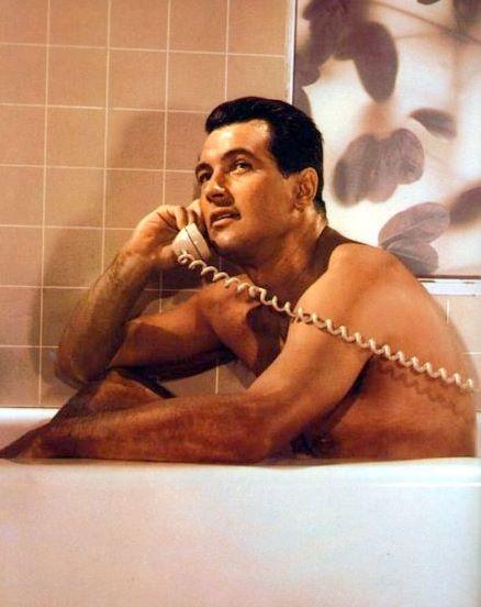 Dans la baignoire, s'il vous plaît... Tub07e1_zps25ba5ddd