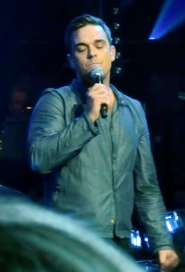 Robbie at the Electric Proms - 20th Oct 2009 - Page 19 CIMG1620
