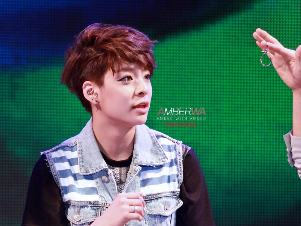 [08.07.10][PICs] f(Amber) @ Kiss the Radio IMG_8558_DecAmber100609