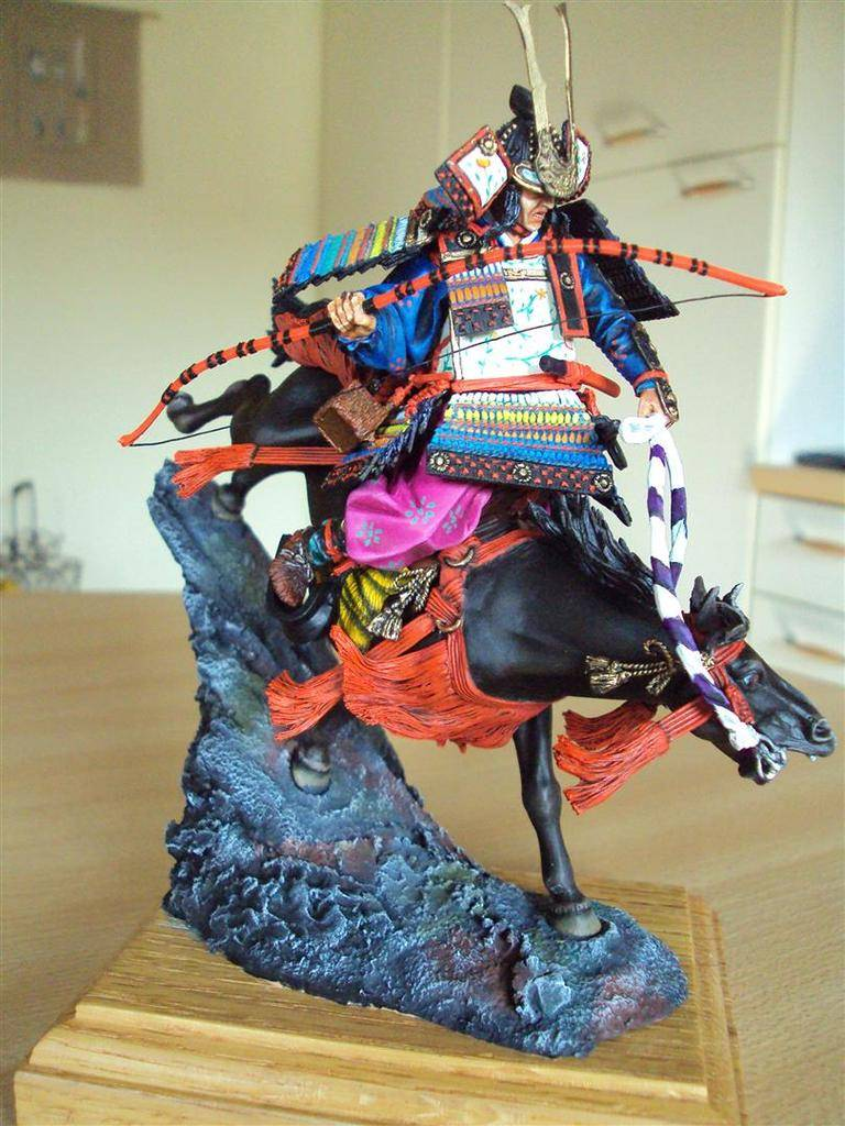 Général Minamoto no Yochitsune ( 1159-1189) DSC09028%20Large_zpsvxqotcvb
