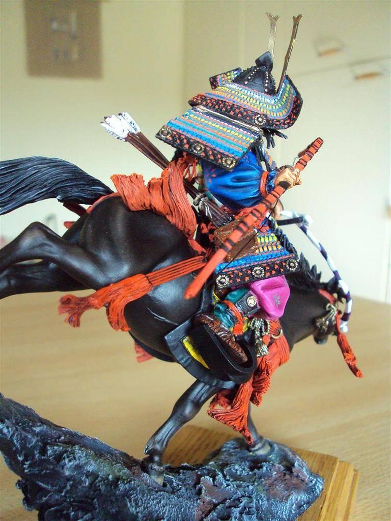 Général Minamoto no Yochitsune ( 1159-1189) DSC09031%20Large_zpsokhfkt1t