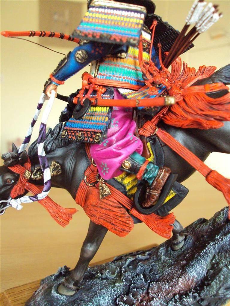 Général Minamoto no Yochitsune ( 1159-1189) DSC09035%20Large_zpsluo3x08e