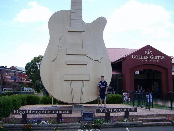 mwah Guitar