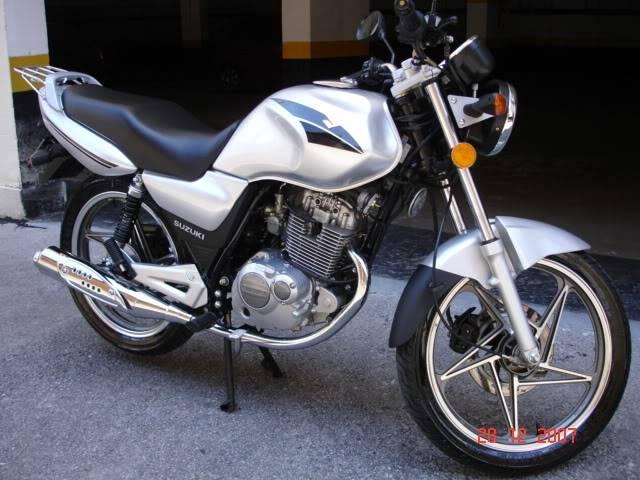 Suzuki 1250...ops, tem um 0 intruso aí...hehehe RF900R011