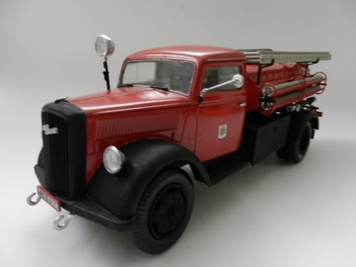 Camion d'incendie 002_zps5bad7e9f