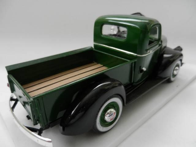 Chevrolet 1941 Pickup 004_zpsfc9738d3