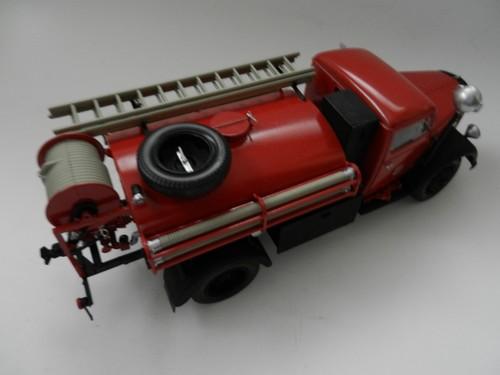 Camion d'incendie 008_zps5c99cc31