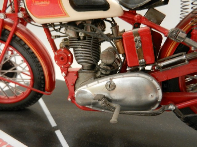 Moto Triumph 3H-350CC - ESCI 1:9 029_zps64dbcd9d