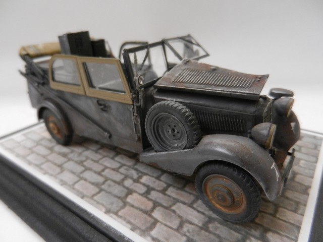Voiture radio Sd.Kfz.2 - 170VK Master Box 1/35 DSCN3124_zpsgglpts40