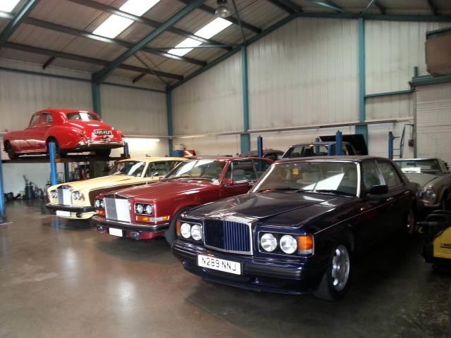 Rolls-Royce Silver Spirit 1982  - Página 3 20131023_102819_zps7a3afc9e
