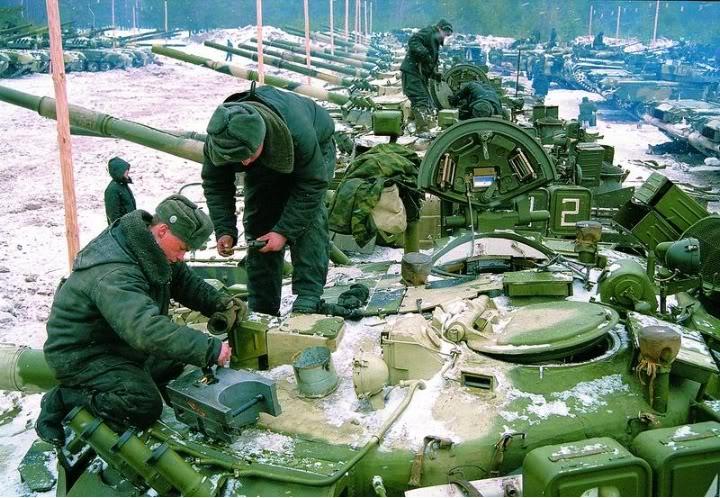 دبابة القتال الرئيسية T-80U  T-80u-1