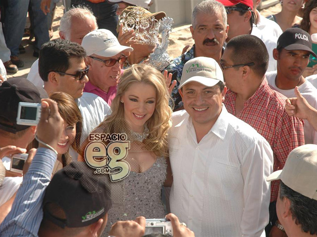 2008-03-23. [ FOTOS & NOTAS ] Es Edith 'Reina del Mar' Espacio103