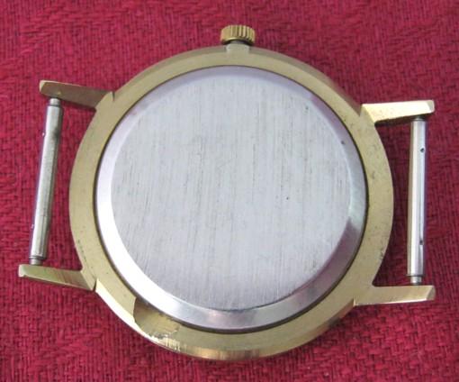 """Luch calibre 2356 : du quartz dans les boitiers des ultra-plates """"de luxe"""" 0905549"""
