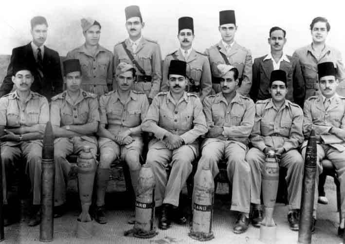 صور نادرة جدا لعبد الناصر لم نراها من قبل 1943