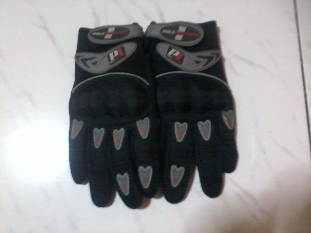For Sale: Used Pole Position Gloves w/ knuckles  Photo0060