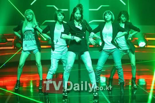 """[PERF][01.07.10] 4minute lần đầu tiên đưa """"I My Me Mine"""" lên sân khấu tại Mnet M! Countdown  01_70118"""