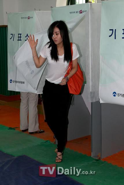 [OTHER][02.06.10] GaYoon lần đầu tiên đi bầu cử CS011770974_35900_27615