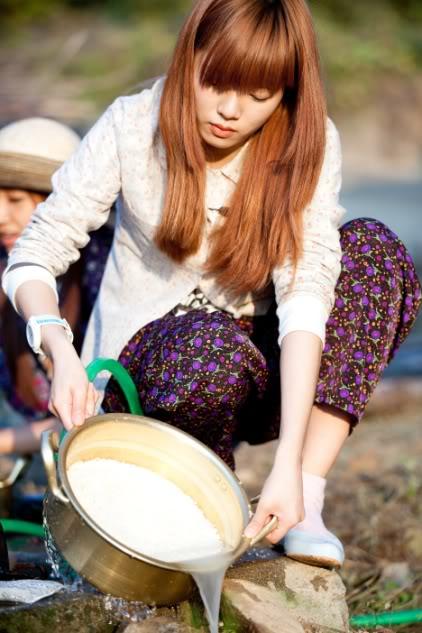 [SHOW][15.06.10] HyunAh và một hành trình cùng Invincible Youth – Những bức hình chưa từng tiết lộ CS012431772_35900_30619