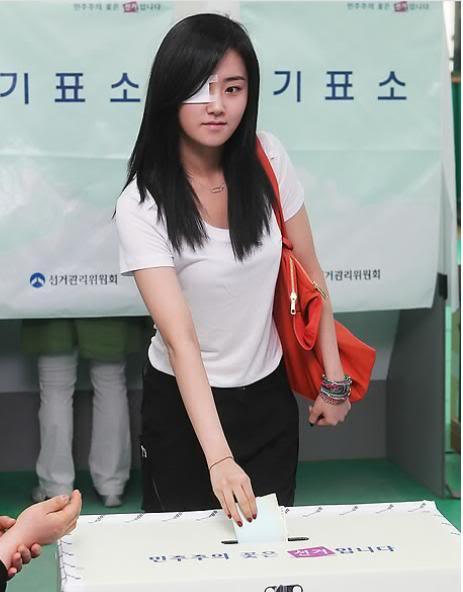 [OTHER][02.06.10] GaYoon lần đầu tiên đi bầu cử VZ011770951_35900_27615