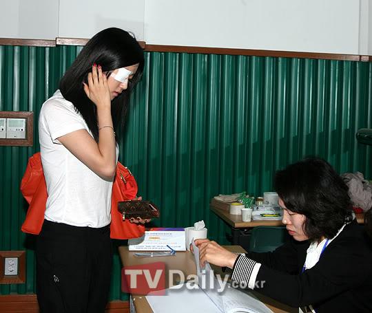 [OTHER][02.06.10] GaYoon lần đầu tiên đi bầu cử VZ011770987_35900_27615